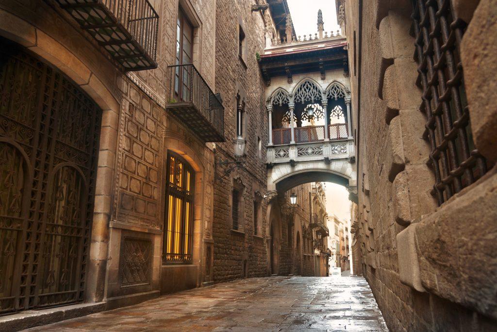 Barcelona Gothic quarter, Carrer del Bisbe