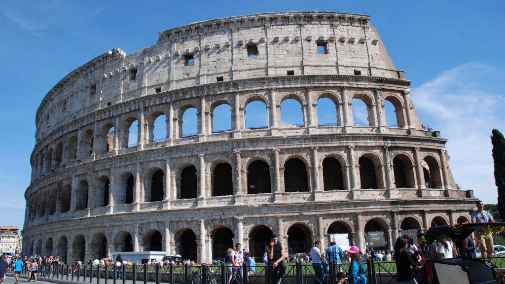 The Colosseum, off-shore tour in Rome